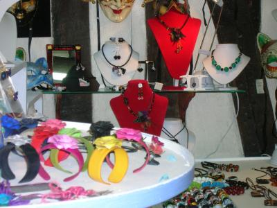 http://fleursdepeaux.cowblog.fr/images/vitrine002.jpg